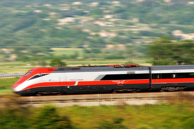 Train Travel Uk To Rome