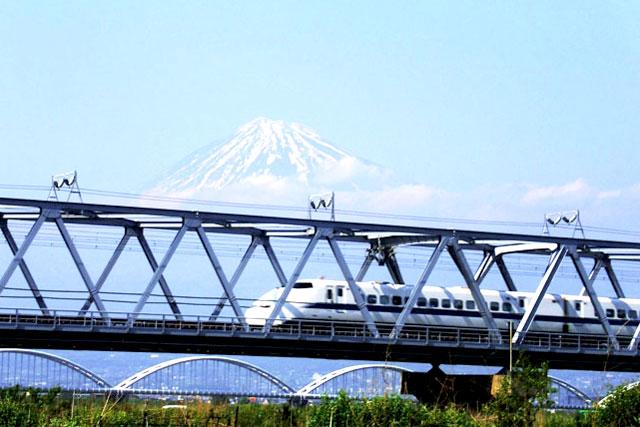 Mt-Fuji-train