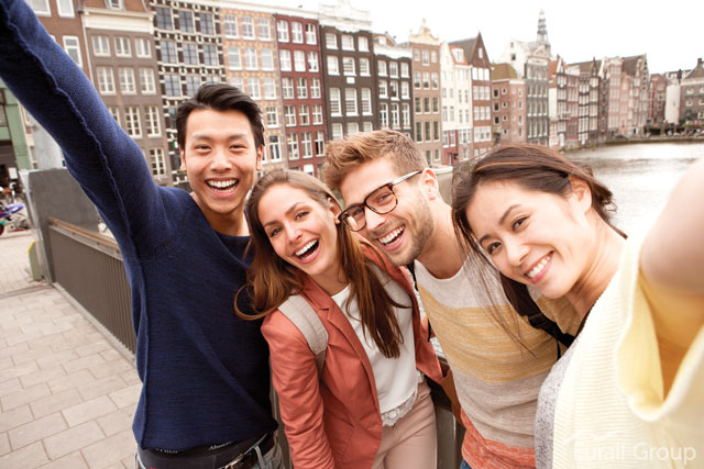 Travel-group-in-Amsterdam